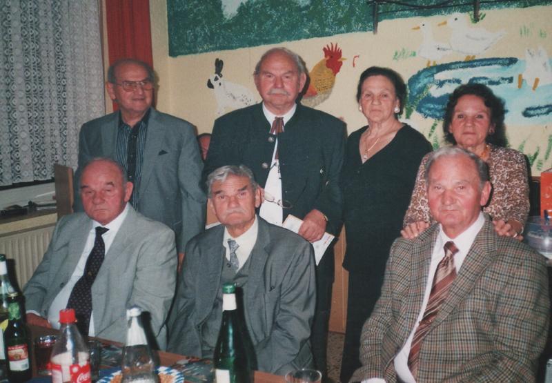 Adolf Heilig mit seinen Geschwistern im Jahr 2009