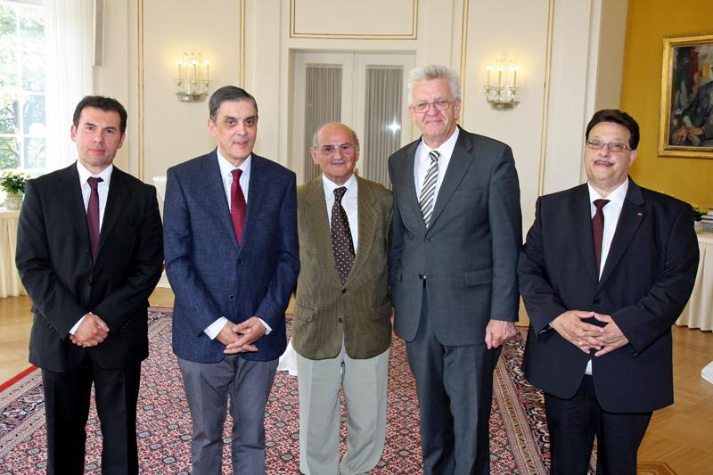 Treffen einer Delegation des Zentralrats Deutscher Sinti und Roma mit dem baden-württembergischen Ministerpräsidenten
