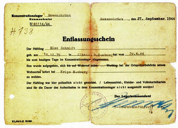 Entlassungsschein aus dem KZ Ravensbrück (Foto: Else Baker, Archiv DokuZ)